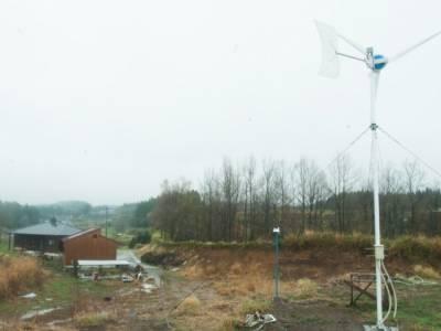 風が吹いたら映画を観よう〜呉英俊さんが自分でつくった風力発電システムと適正技術を使った住まいづくり
